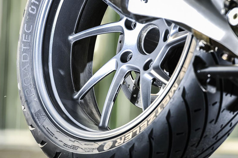 cambio-vendita-pneumatici-moto-cesena-longiano