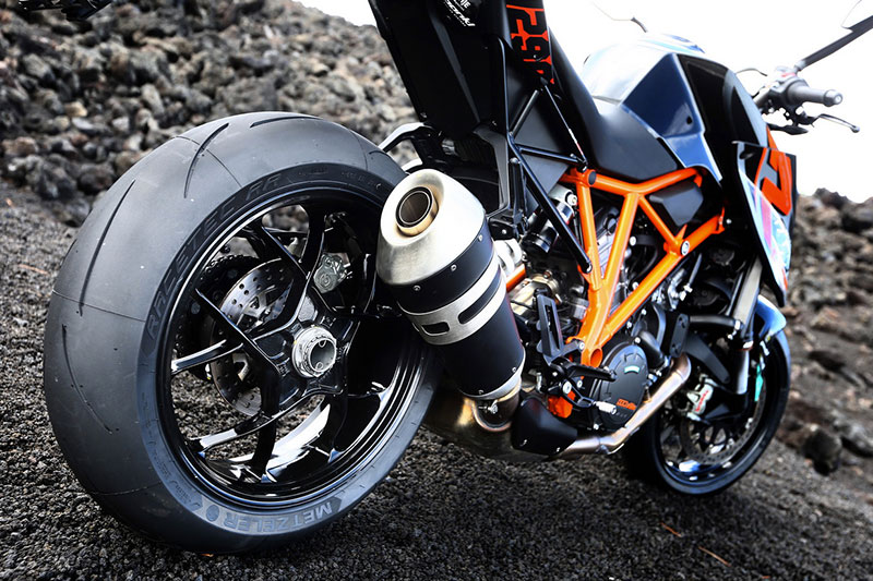 cambio-pneumatici-moto-longiano