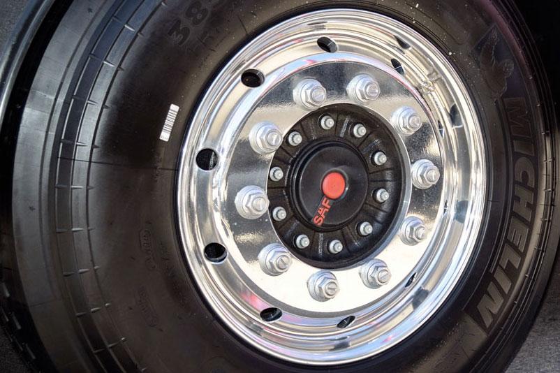 riparazioni-cambio-gomme-furgoni-longiano